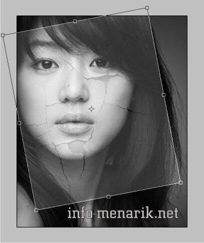 Photo Dengan Efek Retak Di Photoshop 5