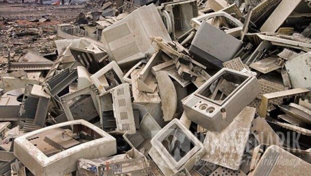 9-benda-berbahaya-di-buang-ke-tempat-sampah-5